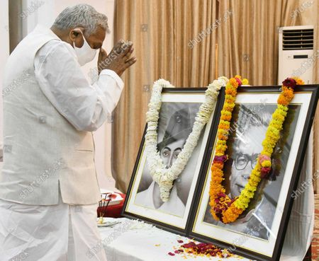 Bihar Governor Phagu Chauhan pays tribute to Bhagat Singh and Dr. Ram Manohar Lohia at Raj Bhawan on March 23, 2021 in Patna, India.