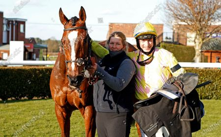 ONE FOR YOU (Tom O'Brien) after The Racing TV Handicap Hurdle Market Rasen