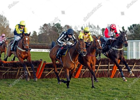 ONE FOR YOU (2nd right, Tom O'Brien) beats HIGHWAY ONE O ONE (right) FANTASTIKAS (2nd left) and FAWSLEY SPIRIT (left) in The Racing TV Handicap Hurdle Market Rasen