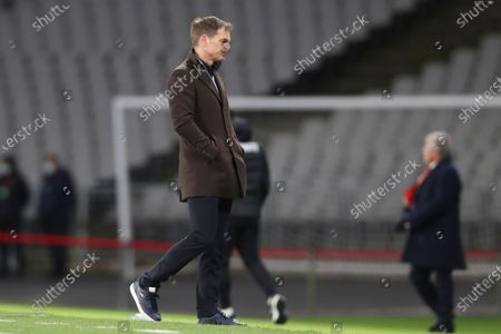 Netherlands' head coach Frank de Boer gestures end of the World Cup 2022 group G qualifying soccer match between Turkey and Netherlands at the Ataturk Olimpiyat Stadium in Istanbul, Turkey