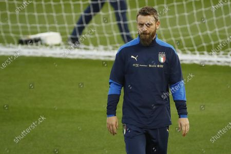 Italy's national soccer assistant coach Daniele De Rossi attends a training session at Ennio Tardini stadium in Parma, Italy, 24 March 2021, on the eve of their FIFA World Cup Qatar 2022 qualification match against Northern Ireland.