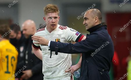 Belgium's Kevin De Bruyne and Belgium's head coach Roberto Martinez pictured during a qualification game for the World Cup 2022 in the group E between the Belgian national team Red Devils and Wales (first out of eight games), Wednesday 24 March 2021 in Leuven.