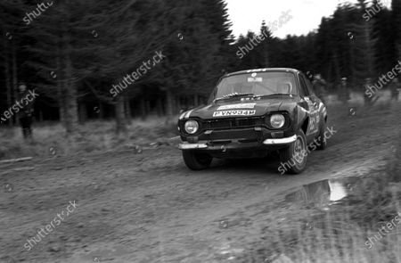 NOVEMBER 22: Steve Ward / John Ingram, Ford Escort RS during the RAC Rally on November 22, 1975. (Photo by LAT Images)