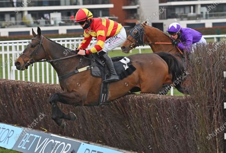 Tinkers Hill Tommy (Richard Patrick) takes the last on the first circuit before going on to win The BetVictor Conditional Jockeys Veterans Handicap Steeple Chase. Photo © Hugh Routledge