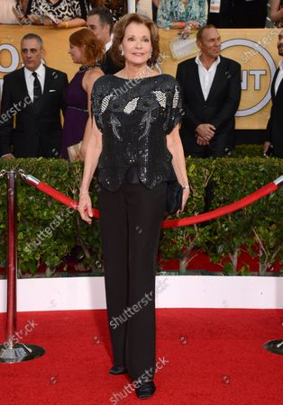 """Jessica Walter arrives at the 20th annual Screen Actors Guild Awards on Jan. 18, 2014, in Los Angeles. Walter, who played a scheming matriarch in TV's """"Arrested Development,"""" has died. She was 80. Walter's death was confirmed, by her daughter, Brooke Bowman. The actor's best-known film roles included playing the stalker in Clint Eastwood's 1971 thriller, """"Play Misty for Me"""