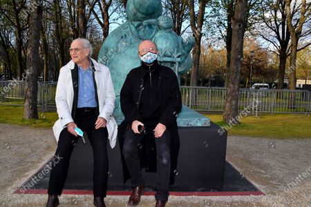 Yann Arthus-Bertrand and Philippe Geluck - Paris: Philippe Geluck's Cats take over the Champs-Elysees. Twenty bronze sculptures of the Cat of Philippe Geluck are displayed on the Champs-Elysees as of this Friday.