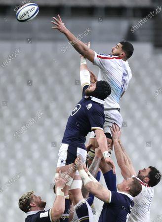 France vs Scotland. Scotland's Ryan Wilson and Swan Rebbadj of France