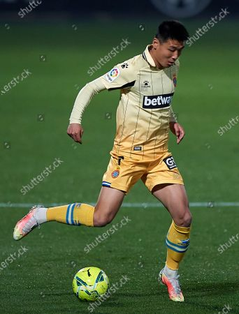 (210327) - CASTELLON DE LA PLANA, March 27, 2021 (Xinhua) - RCD Espanyol's Wu Lei competes during a Spanish second division league football between a CD Castellon and RCD Espanyol in Castellon de la Plana, Spain, March 26, 202 1.