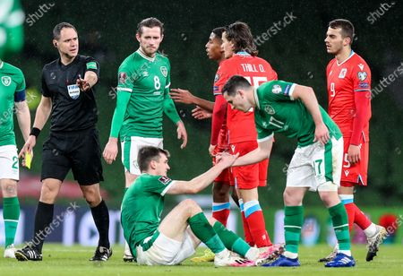 Republic of Ireland vs Luxembourg. Referee Fran Jovic with Alan Browne, Jason Knight and Josh Cullen of Ireland