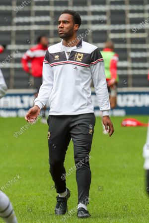 Milton Keynes Dons Cameron Jerome warms up before the Sky Bet League 1 match between MK Dons and Doncaster Rovers at Stadium MK, Milton Keynes on Saturday 27th March 2021.