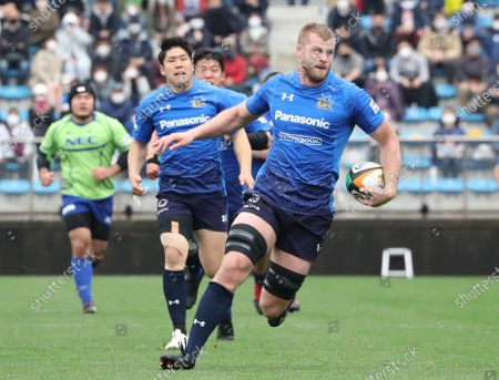 Panasonic Wild Knights lock George Kruis carries the ball at a match of Japan Rugby Top League 2021 tournament at the Prince Chichibu stadium in Tokyo on Sunday, March 28, 2021. Panasonic Wild Knights defeated NEC Green Rockets 62-5.