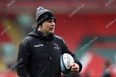 Newcastle Falcons Assistant Coach Nick Easter looks on during the pre-match warm-up