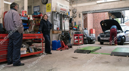 Coronation Street - Ep 10299 Wednesday 14th April 2021 - 1st Ep Abi Franklin, as played by Sally Carman, puts pressure on Kevin Webster, as played by Michael Le Vell, to talk to Tyrone as Dobbs, as played by Alan Halsall, it's time he moved out.