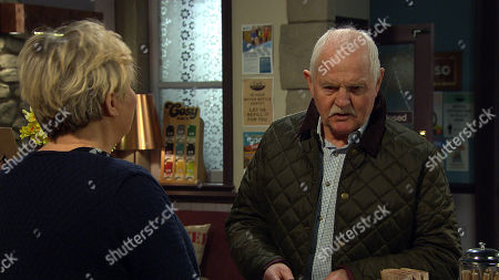Emmerdale - Ep 9017 Thursday 8th April 2021 - 2nd Ep Brenda Hope, as played by Lesley Dunlop, and Faith Dingle exchange verbals. Pollard, as played by Chris Chittell, is caught in the middle.
