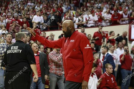 Former IU basketball player Mike Woodson (42) walks on the court of Assembly Hall as NCAA basketball coach. Bob Knight, who took the Indiana Hoosiers to three NCAA national titles, returns to Assembly Hall, Saturday, February 8, 2020 in Bloomington. Mike Woodson was named as the new IU basketball coach this Monday Mar 29th.