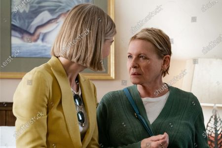 Rosamund Pike and Dianne Wiest