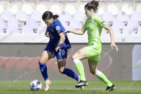 Samantha Kerr of Chelsea (L) and Dominique Janssen of Vfl Wolfsburg (R) in action during the UEFA Women's Champions League quarterfinal second leg soccer match Vfl Wolfsburg vs Chelsea in the Ferenc Szusza Stadium in Budapest, Hungary, 31 March 2021.