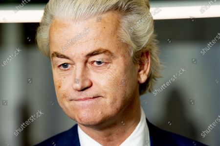 Geert Wilders pvv. Former scouts Annemarie Jorritsma (VVD) and Kajsa Ollongren (D66) in the Lower House during a debate about the failed formation reconnaissance.