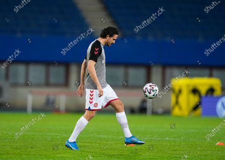 Thomas Delaney of Denmark warming up during the World Cup Qualification match between Austria and Denmark at Ernst-Happel-Stadion stadium, Vienna, Austria on