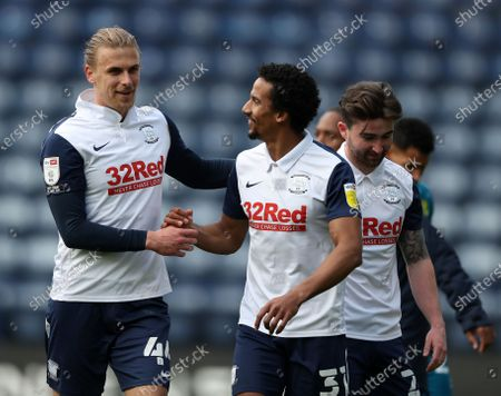 Brad Potts of Preston North End is congratulated on his late goal by team mate Scott Sinclair of Preston North End; Deepdale Stadium, Preston, Lancashire, England; English Football League Championship Football, Preston North End versus Norwich City.