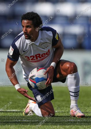 Scott Sinclair of Preston North End holds the ball after he is awarded a free kick; Deepdale Stadium, Preston, Lancashire, England; English Football League Championship Football, Preston North End versus Norwich City.