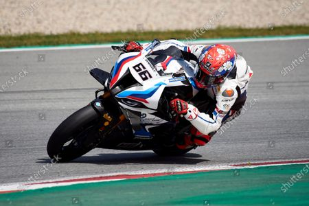 Tom Sykes of the MW Motorrad WORLDSBK Team in action with the BMW S1000 RR