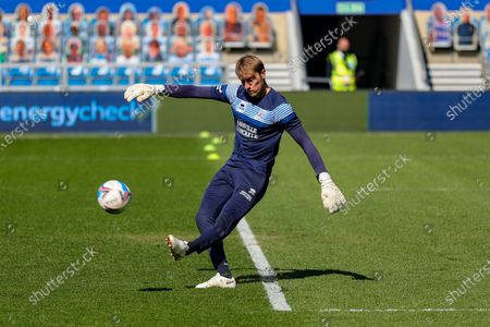 QPR goalkeeper Joe Lumley warms up before the Sky Bet Championship match between Queens Park Rangers and Coventry City at Kiyan Prince Foundation Stadium, London on Friday 2nd April 2021.