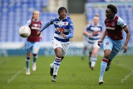 Danielle Carter (#18 Reading) battles Hawa Cissoko (#23 West Ham United)