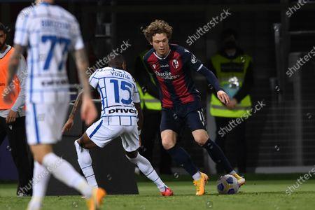 "Andreas Skov Olsen (Bologna)Ashley Young (Inter)       during the Italian ""Serie A"" match between Bologna 0-1 Inter  at  Renato Dall Ara Stadium in Bologna, Italy."