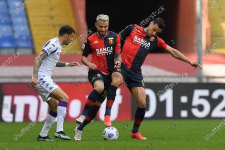 Stock Picture of Lorenzo VENUTI (Fiorentina), Valon Behrami (Genoa) , Gianluca Scamacca (Genoa)