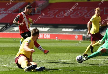 Southampton's Danny Ings, left, scores his side's second goal during the English Premier League soccer match between Southampton and Burnley at St. Mary's Stadium in Southampton, England