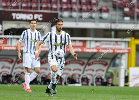 Rodrigo Bentancur of Juventus FC in action during the 2020/21 Italian Serie A football match between Torino FC and Juventus FC at Stadio Olimpico Grande Torino. Final score; Torino 2:2 Juventus.