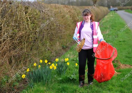 While some give up sweet treats or chocolate for Lent, one schoolgirl went on an extreme litter picking challenge - to honour the memory of Captain Sir Tom Moore. Heather Kent, 13, was horrified by the amount of rubbish on her local streets and the danger it can pose to animals.