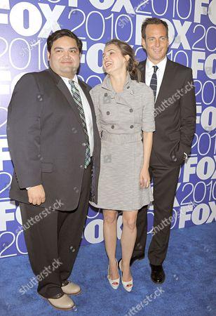 Cast of 'Running Wilde' - Joe Nunez, Keri Russel and Will Arnett