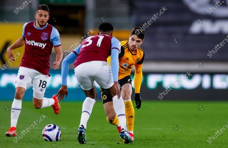 Wolverhampton Wanderers midfielder Pedro Neto (7) takes on West Ham United defender Ben Johnson (31)   during the Premier League match between Wolverhampton Wanderers and West Ham United at Molineux, Wolverhampton
