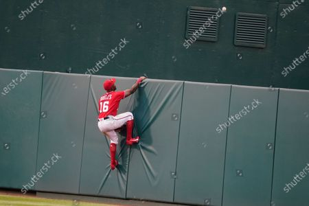 Washington Nationals center fielder Victor Robles can't reach a two-run home run hit by Atlanta Braves' Pablo Sandoval during the seventh inning of the second baseball game of a doubleheader at Nationals Park, in Washington.T he Braves won the second game 2-0