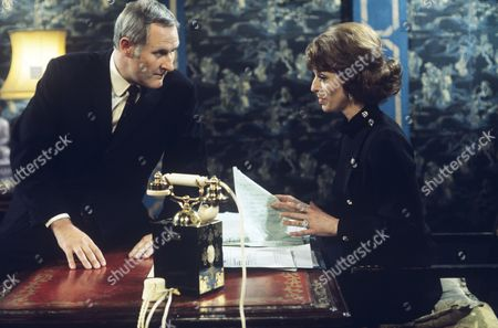 Episode:   The Midas Touch Peter Vaughan and Wendy Gifford