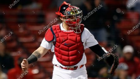Boston Red Sox's Christian Vazquez plays against the Tampa Bay Rays during the fourth inning of a baseball game, in Boston