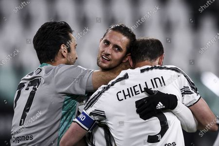 Juventus goalkeeper Gianluigi Buffon (77), Juventus midfielder Adrien Rabiot (25) and Juventus defender Giorgio Chiellini (3) celebrate victory after the Serie A football match n.3 JUVENTUS - NAPOLI on April 07, 2021 at the Allianz Stadium in Turin, Piedmont, Italy. Final result: Juventus-Napoli 2-1.