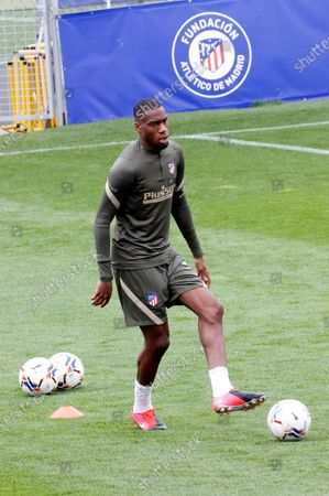 Atletico Madrid's French midfielder Geoffrey Kondogbia during the training of the team held at Wanda Sports Complex of Madrid, Spain on 08 April 2021 to prepare their next LaLiga soccer match against Real Betis upcoming 11 April.