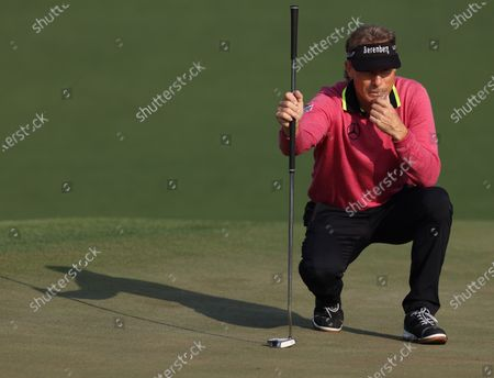 Bernhard Langer of Germany on the second green during the first round of the 2021 Masters Tournament at the Augusta National Golf Club in Augusta, Georgia, USA, 06 April 2021. The 2021 Masters Tournament is held 08 April through 11 April 2021.