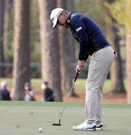 Matt Jones of Australia putts on the third green during the first round of the 2021 Masters Tournament at the Augusta National Golf Club in Augusta, Georgia, USA, 06 April 2021. The 2021 Masters Tournament is held 08 April through 11 April 2021.