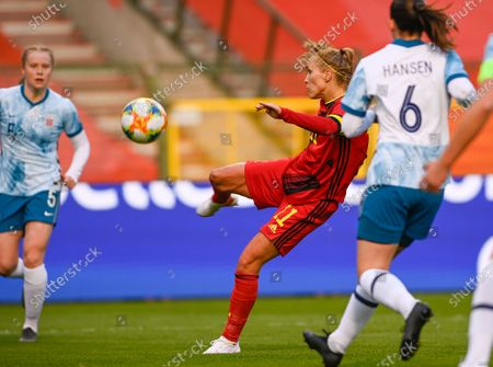 Belgium's Janice Cayman with an attempt on goal during a friendly soccer game between Belgium's national team the Red Flames and Norway, Thursday 08 April 2021 in Brussels.