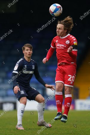 Tom Clifford of Southend United (12) and Sam Matthews of Crawley Town (20)