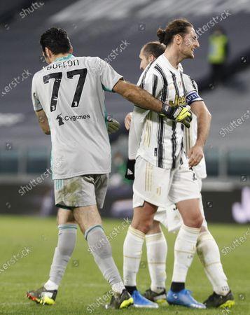 Gianluigi Buffon, Adrien Rabiot (Juventus) at the end of the match