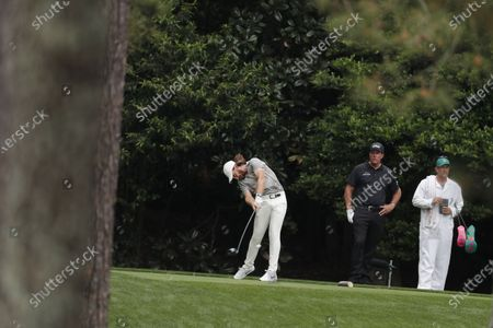 Tommy Fleetwood of England hits his tee shot on the eleventh hole during the second round of the 2021 Masters Tournament at the Augusta National Golf Club in Augusta, Georgia, USA, 09 April 2021. The 2021 Masters Tournament is held 08 April through 11 April 2021.
