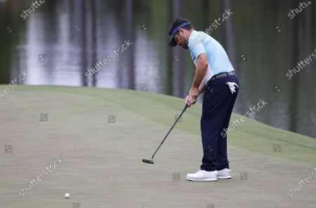 Louis Oosthuizen of South Africa putts on the sixteenth hole during the second round of the 2021 Masters Tournament at the Augusta National Golf Club in Augusta, Georgia, USA, 09 April 2021. The 2021 Masters Tournament is held 08 April through 11 April 2021.