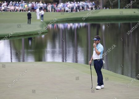 Louis Oosthuizen of South Africa reacts to his putt on the sixteenth hole during the second round of the 2021 Masters Tournament at the Augusta National Golf Club in Augusta, Georgia, USA, 09 April 2021. The 2021 Masters Tournament is held 08 April through 11 April 2021.