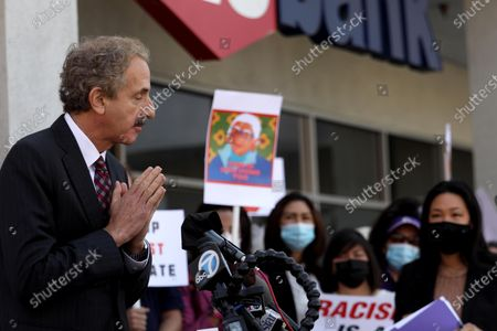 LOS ANGELES, CA - APRIL 8, 2021 - - Los Angeles City Attorney Mike Feuer greets members of the Thai-American community at the start of his speech at a rally against Asian hate crimes in Thai Town in Los Angeles on April 8, 2021. They also gathered to show solidarity for the AAPI community. (Genaro Molina / Los Angeles Times)