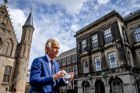 Geert Wilders of the PVV is received in the Lower House by informateur Herman Tjeenk Willink (PvdA). Tjeenk Willink receives the leaders of the nine largest parties, after it was the turn of the smaller parties a day earlier. netherlands